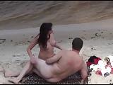 Flagra real de sexo na praia com casal de taradões