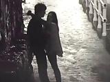 Botando a namorada pra pagar boquete a noite na rua