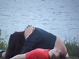 Flagra real de casal transando perto do lago